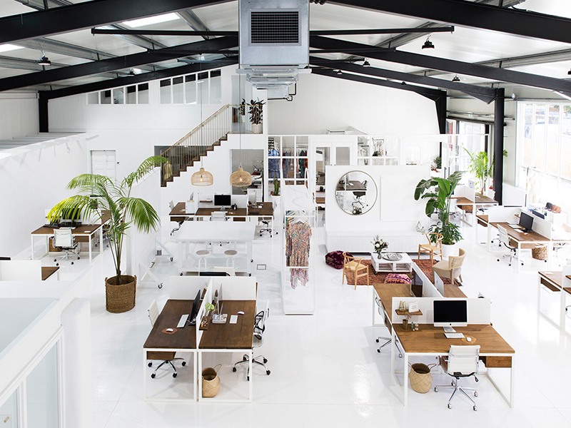Nới rộng không gian với cách bố trí văn phòng làm việc nhỏ đặc biệt