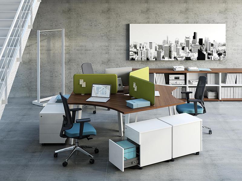 Thiết kế nội thất văn phòng đẹp khi sử dụng cụm bàn làm việc