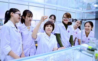Vai trò của nữ trí thức Việt Nam trong xu thế phát triển công nghệ mới